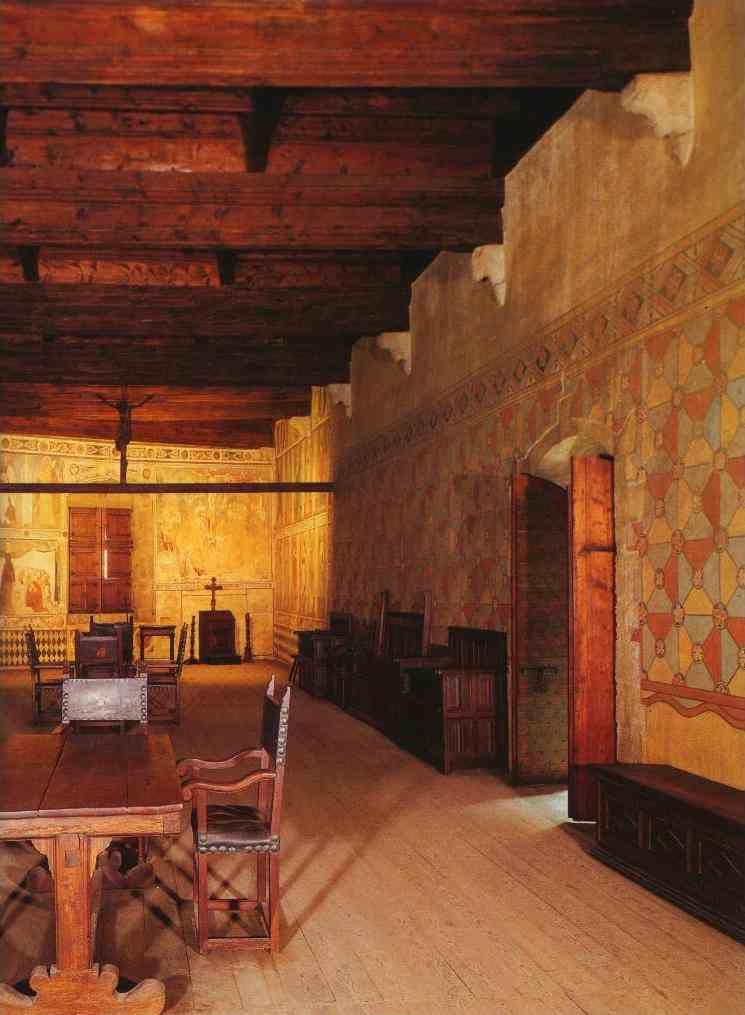 Il castello di fenis for Mobili medievali